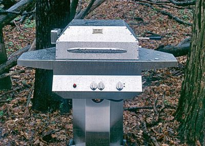 Manufacturing-Product_PedistalGrillWoods _KazooGrill
