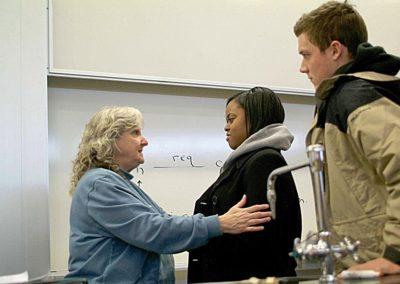 Professors in Classrooms_WMUFemaleProfTalkStud_6542